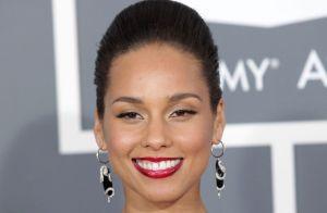 Alicia Keys : Elle s'emmêle les pinceaux sur Twitter, victime ou gaffeuse ?