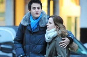 Emma Watson : Petite balade romantique et câline au bras de son chéri