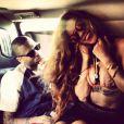 """Rihanna postait sur Instagram cette photo de Chris Brown et elle à Hawaï avec en légende : """"Pour it up pour it up! #birthdaybehaviour"""" (que l'on pourrait traduire par """"verse encore verse encore ! #anniversairettitude"""")"""