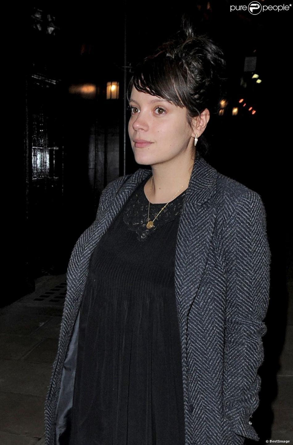 """Lily Allen à la sortie d""""un club à Londres le 12 février 2013"""
