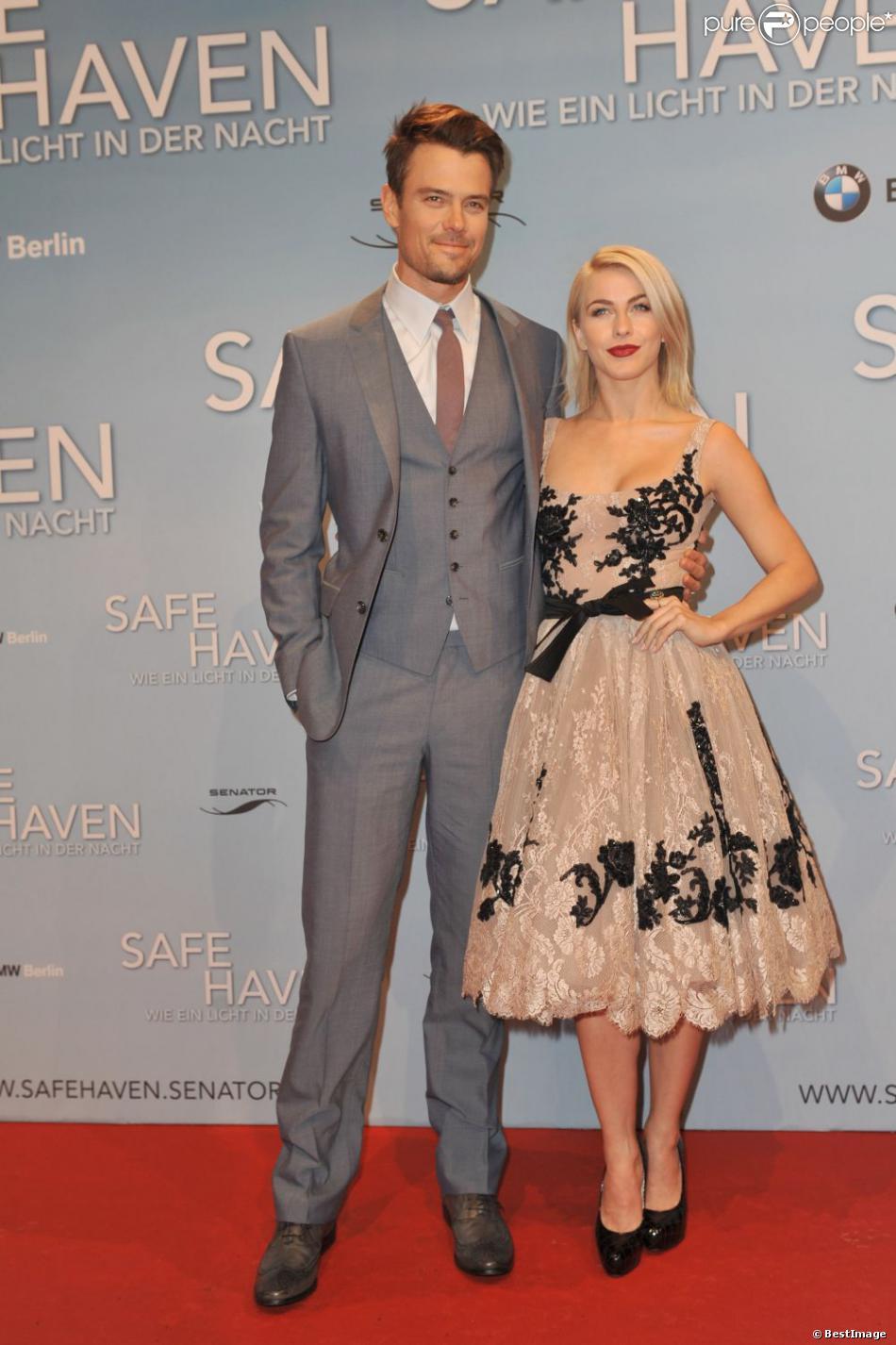 Josh Duhamel et Julianne Hough étaient à Berlin pour l'avant-première du film  Safe Haven , le 24 février 2013. Les acteurs et le public présents dans la salle de projection ont entamé un Harlem Shake endiablé.