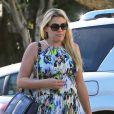 Busy Philipps, enceinte, va dîner au restaurant avec une amie à West Hollywood, le 28 février 2013.