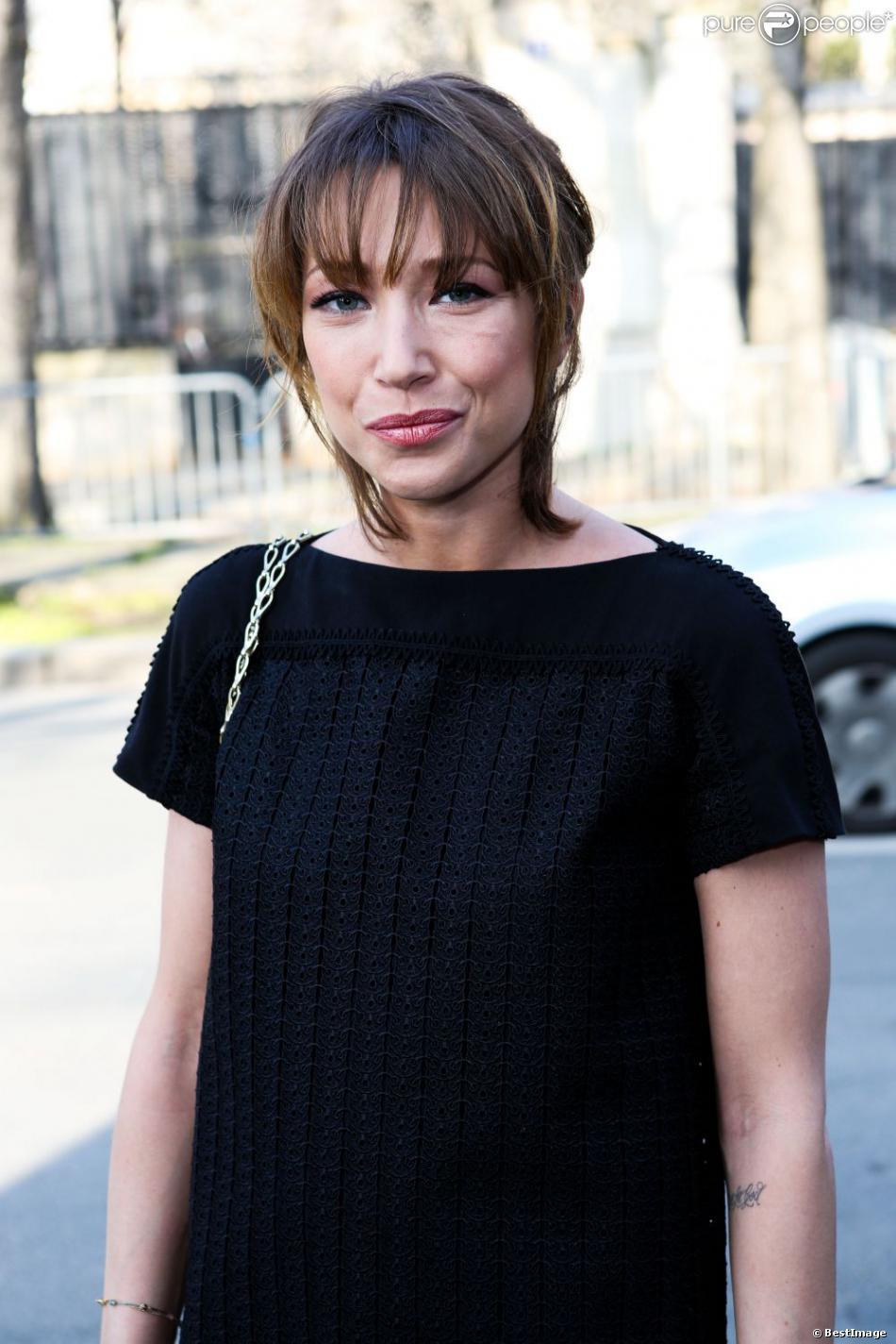 Laura Smet a assisté au défilé Paco Rabanne à Paris, le 4 mars 2013.