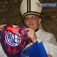 Le nouveau pape François, fervent supporter de Dieu ? Non, de l'équipe de foot argentine ! Photo d'archive.