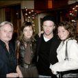 Exclu - Lola Zidi-Rénier, alias Nell dans The Voice 2 au côté de Samantha Rénier (autre fille d'Yves Rénier), Claude Bouillon et Yann Sundberg à Paris, le 17 octobre 2005.