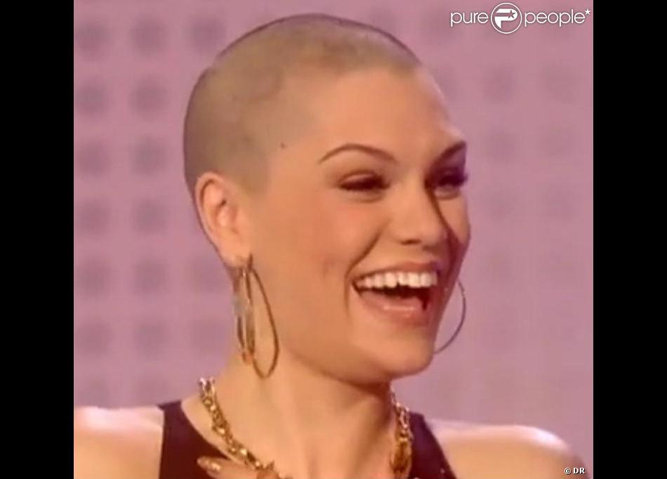 Le 15 mars 2013, Jessie J s'est rasé la tête pour la bonne cause.