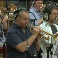 Dans les coulisses de la composition de la musique de Skyfall, avec l'intervention du trompettiste Derek Watkins