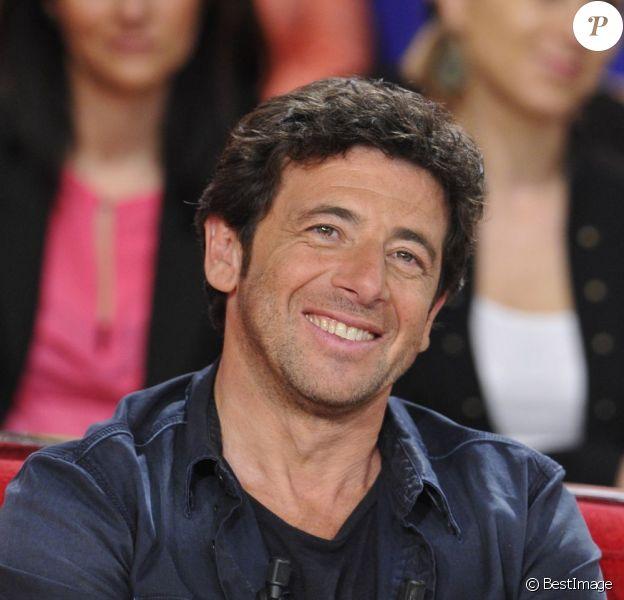 """Patrick Bruel lors de l'enregistrement de l'émission """"Vivement Dimanche"""" à Paris le 20 mars 2013."""