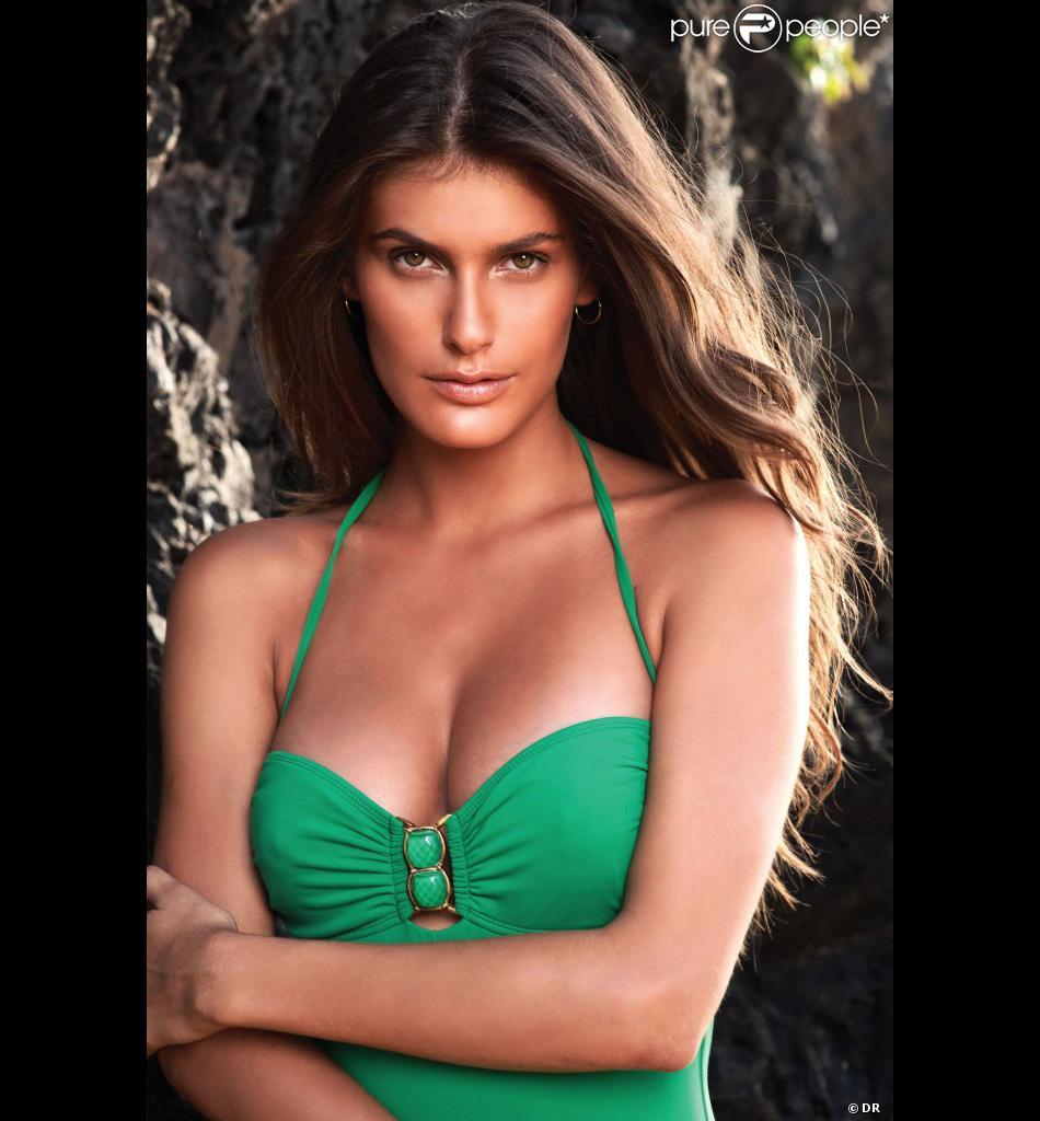 Carolina Francischini pose pour la marque brésilienne Despi.
