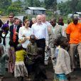 Angelina Jolie et William Hague (ministre britannique des Affaires étrangères) dans le Nzolo camp en République démocratique du Congo le 26 mars 2013