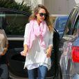 Jessica Alba, est sur tous les fronts et emmène sa fille Haven faire du shopping chez Barneys New York à Beverly Hills le 2 avril 2013