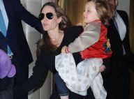 Angeline Jolie : Avec Pax et Shiloh en plein rêve dans un magasin de jouets