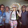 Laeticia Hallyday a posté une série de jolies photos prises lors de sa fête sur le thème des Navajos, le 7 avril 2013. Avec notamment Pascal Duchêne, le guitariste Robin Le Mesurier et le manager de choc du Taulier, Sébastien Farran.