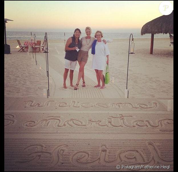 Katherine Heigl avec sa soeur Meg et sa mère Nancy en vacances au Mexique le 8 avril 2013.