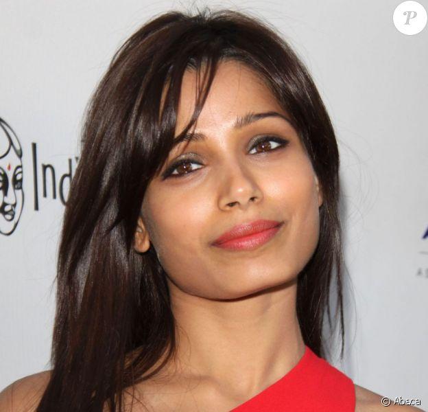 Freida Pinto, divine star indienne pour ouvrir l'Indian Film Festival de Los Angeles (IFFLA) aux ArcLight Cinemas de Hollywood, Los Angeles, le 9 avril 2013.