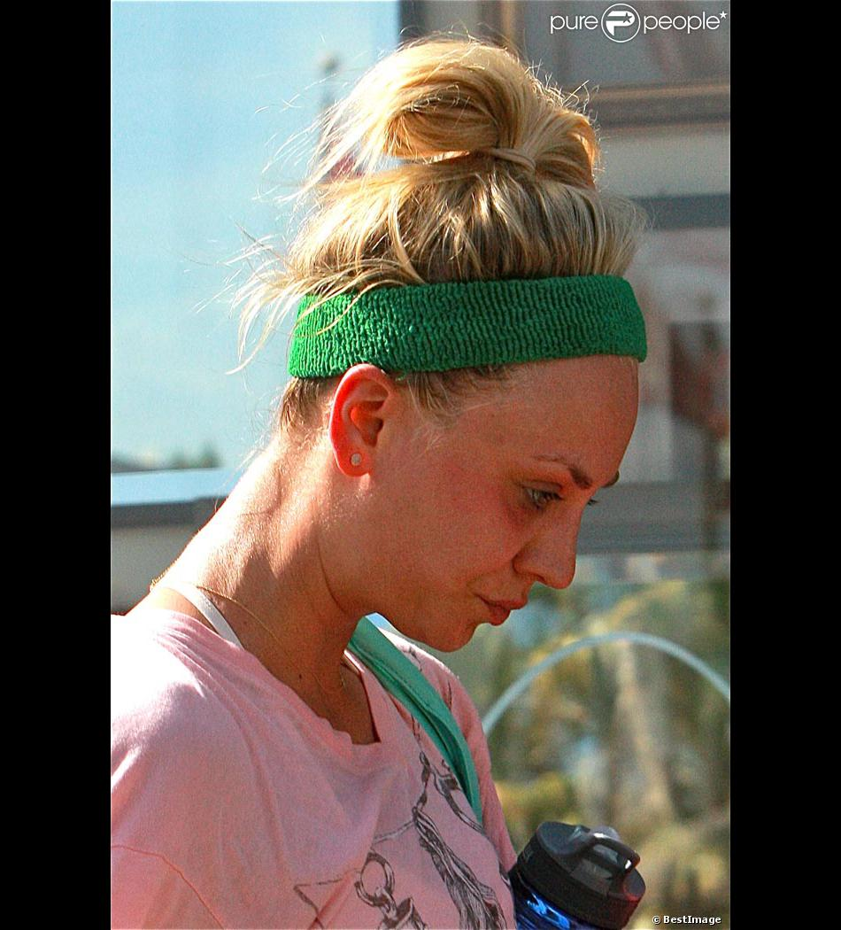 Exclusif : Kaley Cuoco après son cours de yoga à Los Angeles le 7 avril 2013.