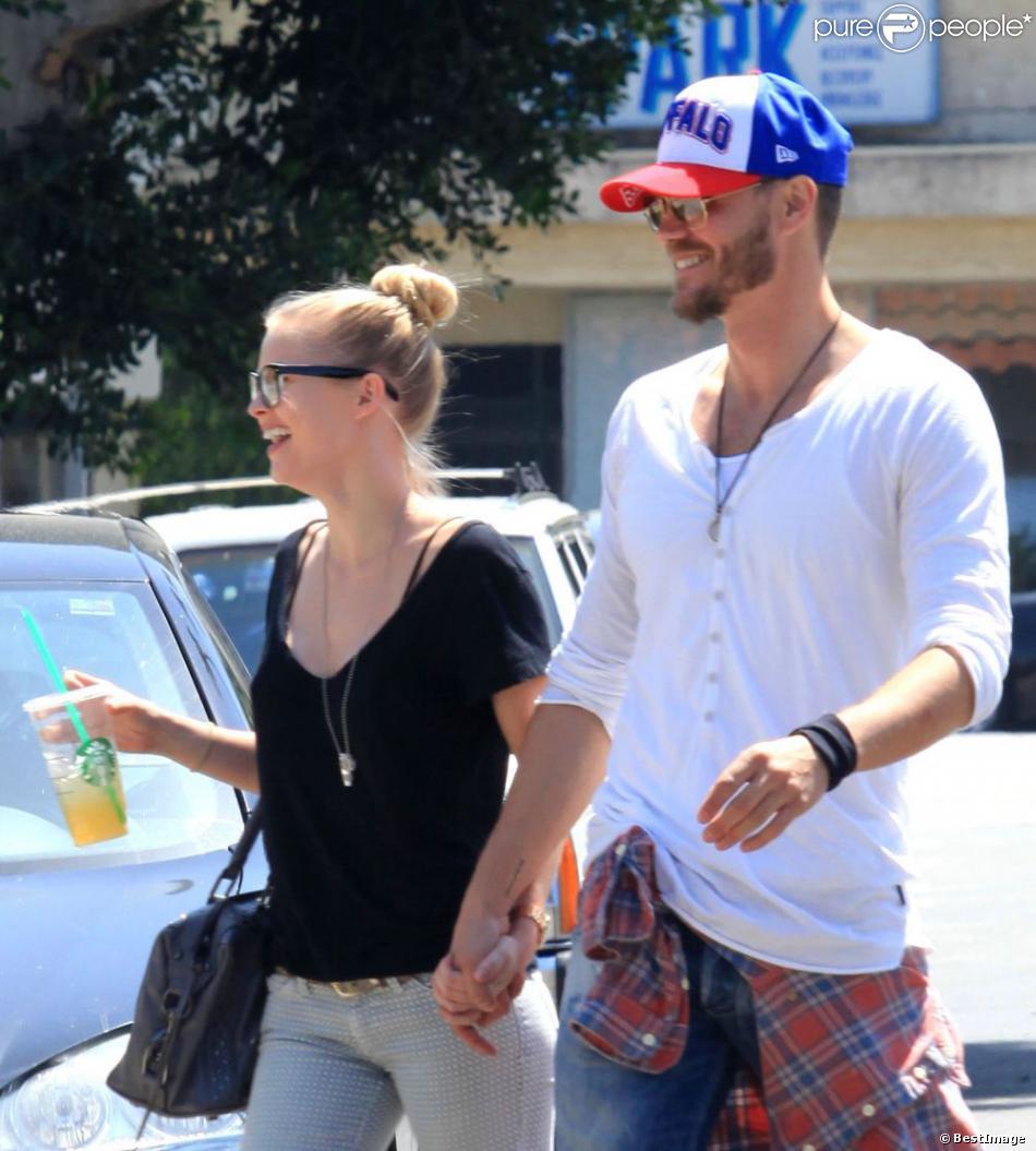 Chad Michael Murray et sa belle Kenzie Dalton le 12 avril 2013 à Los Angeles.