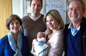 George W. Bush : Première photo de famille avec sa petite-fille Mila
