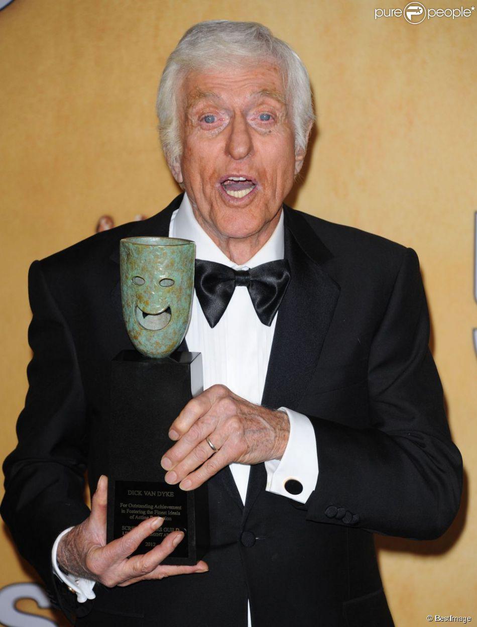 Dick Van Dyke lors de la 19e cérémonie des  Screen Actors Guild Awards  à Los Angeles, le 27 janvier 2013.
