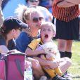Britney Spears assiste à un match de football avec son fils Jayden James à Woodland Hills, le 21 avril 2013.