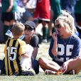 Britney Spears est allée soutenir ses fils, Sean et Jayden, lors d'un match de football à Woodland Hills, le 21 avril 2013.