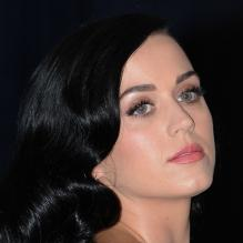 Katy Perry assiste au dîner annuel des correspondants de la Maison Blanche célébrant les 100 ans de l'association White House Correspondents' Association (WHCA) à l'hôtel Washington Hilton. Washington, le 27 avril 2013.