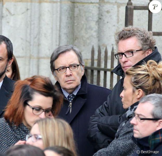 Franck Firmin-Guion (PDG de Adventure Line Productions), Nonce Paolini, Denis Brogniart et sa femme Hortense aux obsèques de Gérald Babin (candidat de Koh Lanta 2013) à Nemours, le 5 avril 2013.