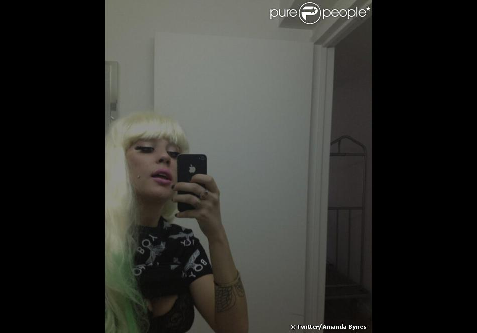 Amanda Bynes affiche une coupe de cheveux très Lady Gaga sur Twitter, le 3 mai 2013.