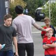 Exclusif - David Beckham quitte le Camp des Loges avec ses trois fils Brooklyn, Cruz et Romeo après l'entraînement à Saint-Germain-en-Laye, le 4 mai 2013.
