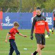 Romeo face à Zlatan Ibnahmovic du Camp des Loges où s'entraine son père David Beckham, le 19 avril 2013 à Saint-Germain-en-Laye