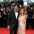 Tomer Sisley et sa nouvelle compagne Agathe de la Fontaine durant la montée des marches du film Inside Llewyn Davis lors du 66e festival du film de Cannes, le 19 mai 2013.