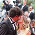 Tomer Sisley et sa nouvelle compagne Agathe de la Fontaine lors de la montée des marches du film Inside Llewyn Davis lors du 66e festival du film de Cannes, le 19 mai 2013.