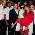 Casper Smart et Jennifer Lopez avec ses enfants Max et Emme (4 an) dans les coulisses de la cérémonie des Billboard Music Awards au MGM Grand Garden Arena à Las Vegas, le 19 mai 2013.