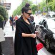 Kim Kardashian quitte le George V après déjeuner. Paris, le 22 mai 2013.