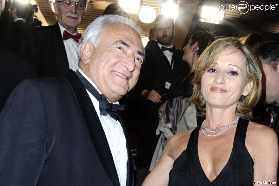 Dominique Strauss Kahn et sa compagne Myriam L'Aouffir sur le tapis rouge lors du 66eme festival du film de Cannes. Le 25 mai 2013
