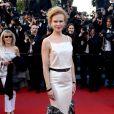 Nicole Kidman, dans une robe Chanel, lors de la montée des marches du film La Vénus à la fourrure au Festival de Cannes le 25 mai 2013
