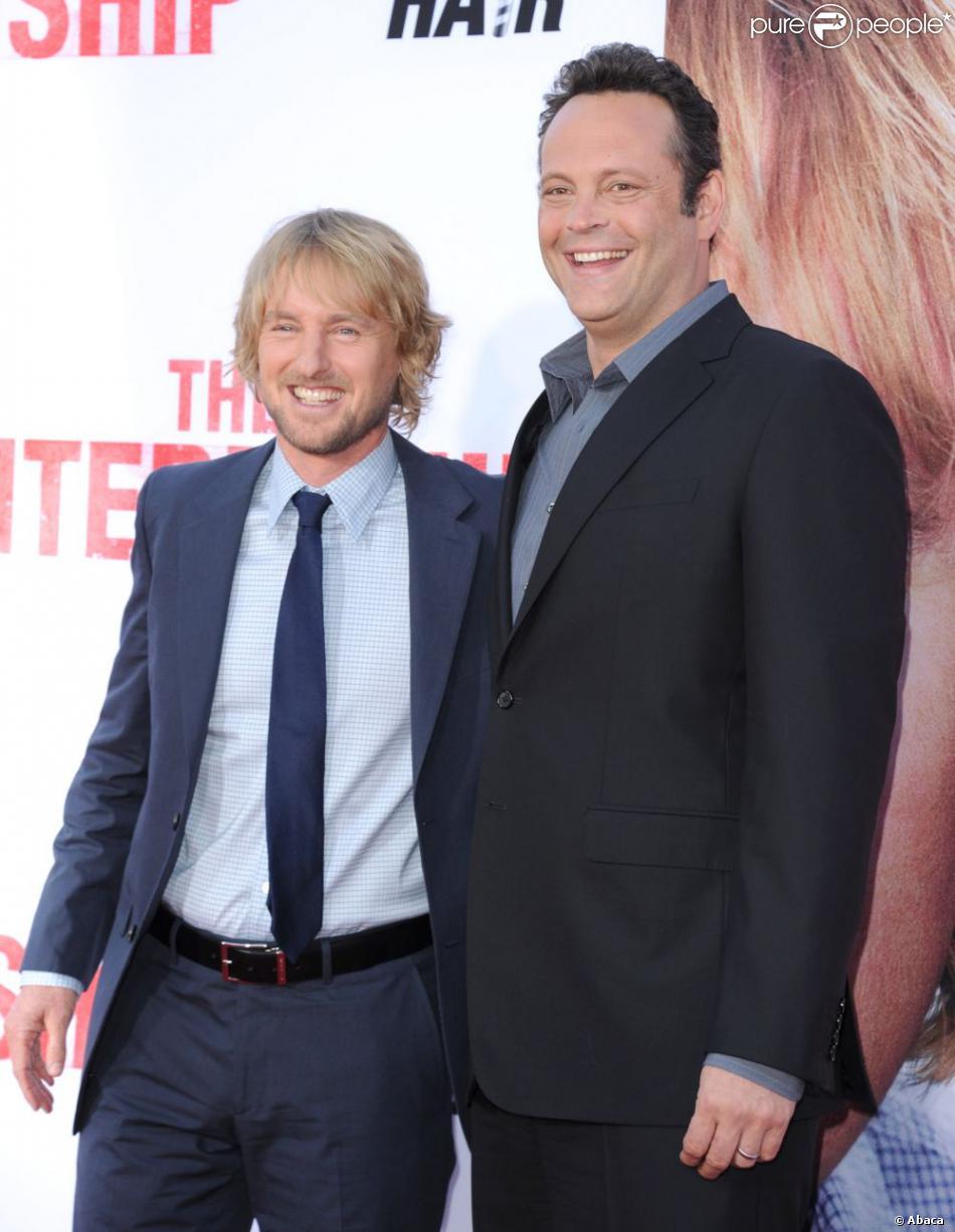 Owen Wilson et Vince Vaughn se retrouvent avec le sourire à la première mondiale du film Les Stagiaires (The Internship) au Regency Village Theatre, Westwood, Los Angeles, le 29 mai 2013.