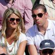 Sylvain Armand et sa femme Guenola lors du quart de finale entre Jo-Wilfried Tsonga et Roger Federer (7-5, 6-3, 6-3) le 4 juin 2013 à Roland-Garros