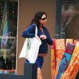 Minnie Driver enceinte, et en shopping !