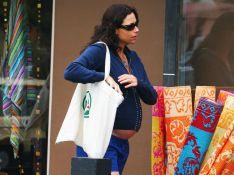 PHOTOS : Minnie Driver enceinte... un look original !
