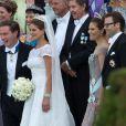 Le cortège rassemblé à Drottningholm autour des jeunes mariés, la princesse Madeleine et Chris O'Neill, pour la réception de leur mariage, le 8 juin 2013 à Stockholm.