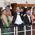 Chris O'Neill déchaîné au côté de la princesse Madeleine de Suède à bord du SS Stockholm à destination de Drottningholm pour la réception de leur mariage, le 8 juin 2013 à Stockholm