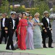 Frederik et Mary de Danemark, Märtha-Louise, Mette-Marit et Haakon de Norvège embarquent sur le SS Stockholm aux terrasses d'Evert Taubes pour Drottningholm, où se tient la réception du mariage de Madeleine de Suède et Chris O'Neill le 8 juin 2013