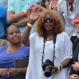 Isha Price (demi-soeur de Serena Williams) et Oracene Price (mère de Serena Williams) pendant la finale dames à Roland-Garros le 8 juin 2013.