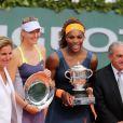 Arantxa Sanchez, Maria Sharapova, Serena Williams, Jean Gachassin après la finale dames à Roland-Garros le 8 juin 2013.