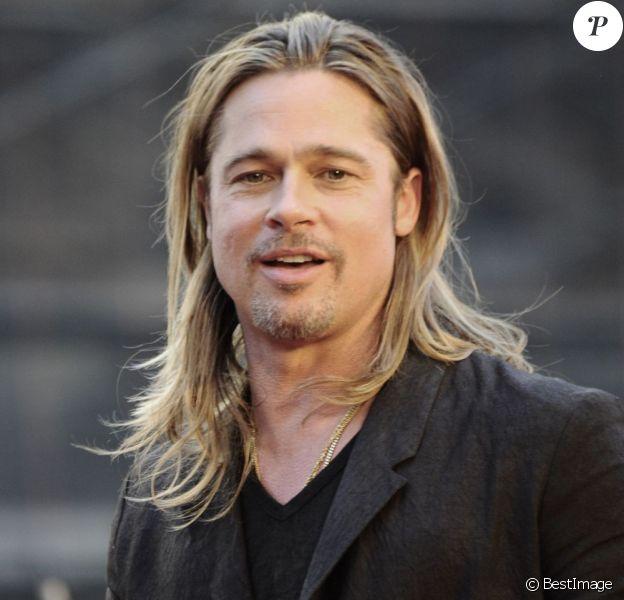 Brad Pitt radieux pour la première du film World War Z à New York, le 17 Juin 2013.