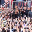 Brad Pitt accueilli comme une rockstar à la première du film World War Z à New York, le 17 Juin 2013.