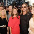 Brad Pitt en famille à la première du film World War Z à New York, le 17 Juin 2013.