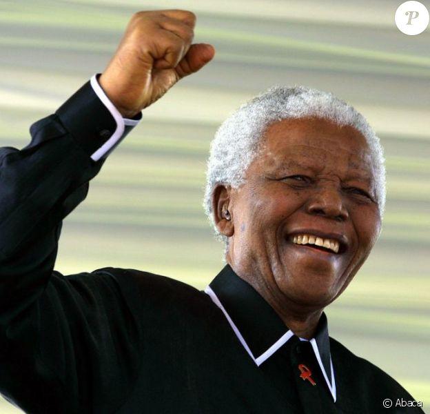 Nelson Mandela à Soweto en mai 2003.