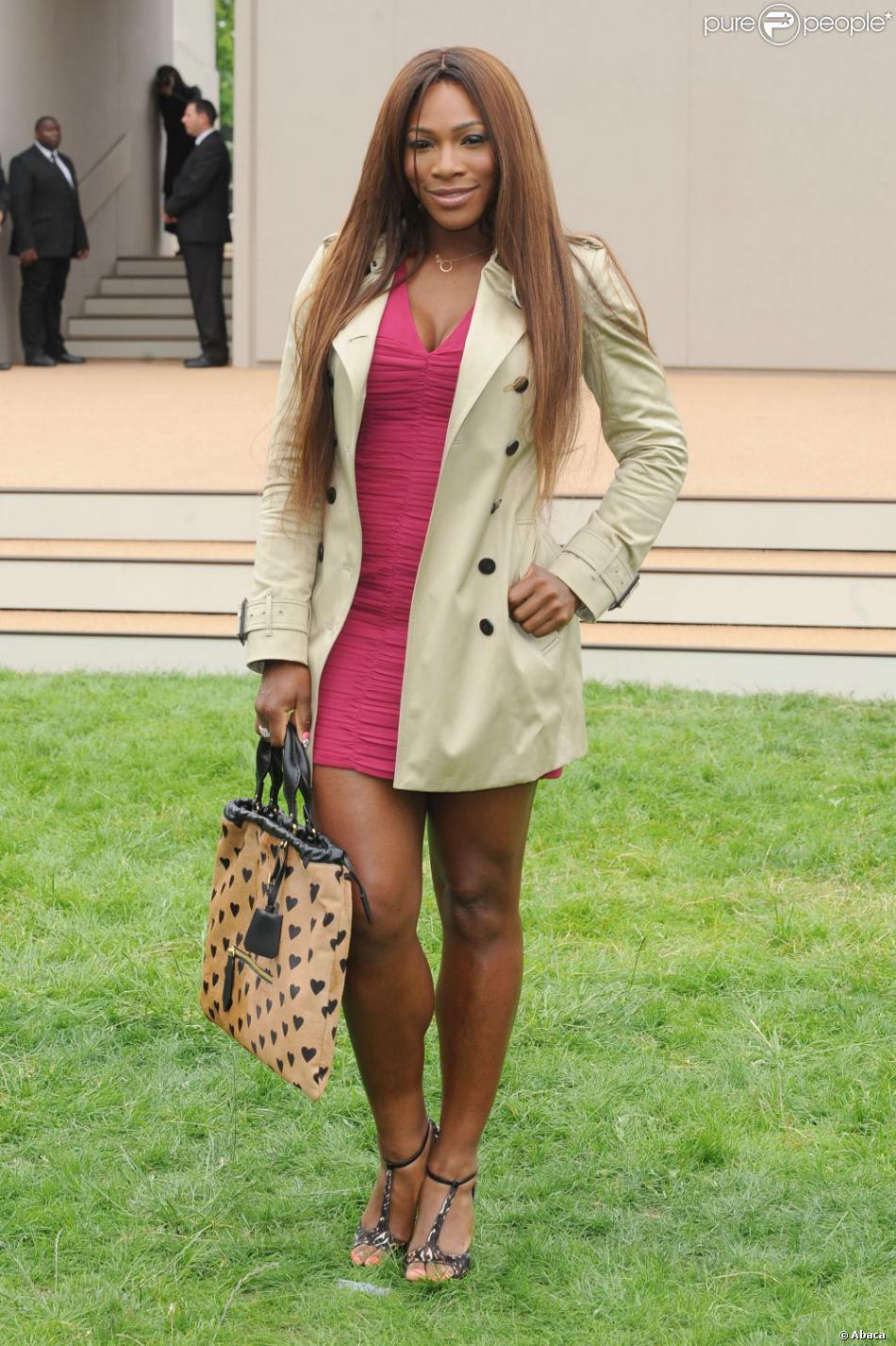 Serena Williams lors de la présentation de la collection printemps-été 2014 de Burberry Prorsum à Perks Field, dans les jardins de Kensington à Londres le 18 juin 2013